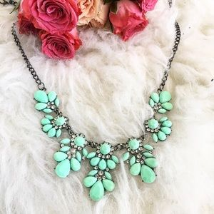 Jewelry - Rhinestone floral statement necklace teal green